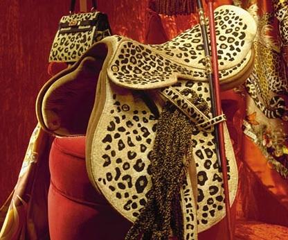 MUST SEE: De bizarre zadels van Hermès