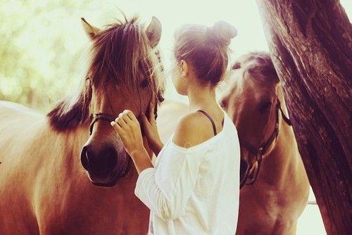 5 REDENEN: Waarom je een relatie met een paardenmeisje moet hebben – deel 2