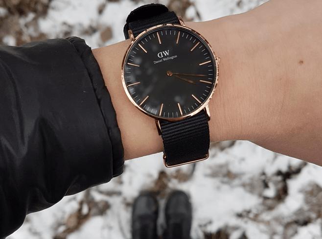 SHOPPEN: 10 chique horloges om de tijd te checken tijdens het rijden
