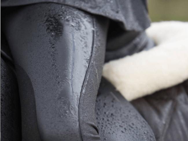 DIT WILLEN WE HEBBEN: Een waterdichte rijbroek