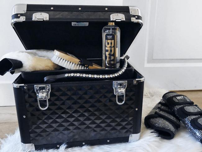 GROOMING BOX: Luxe 'beautycases' voor je paard in diverse kleurtjes