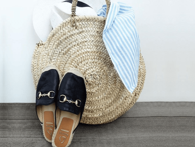 YAY OR NAY: Loafers en espadrilles met bitjes