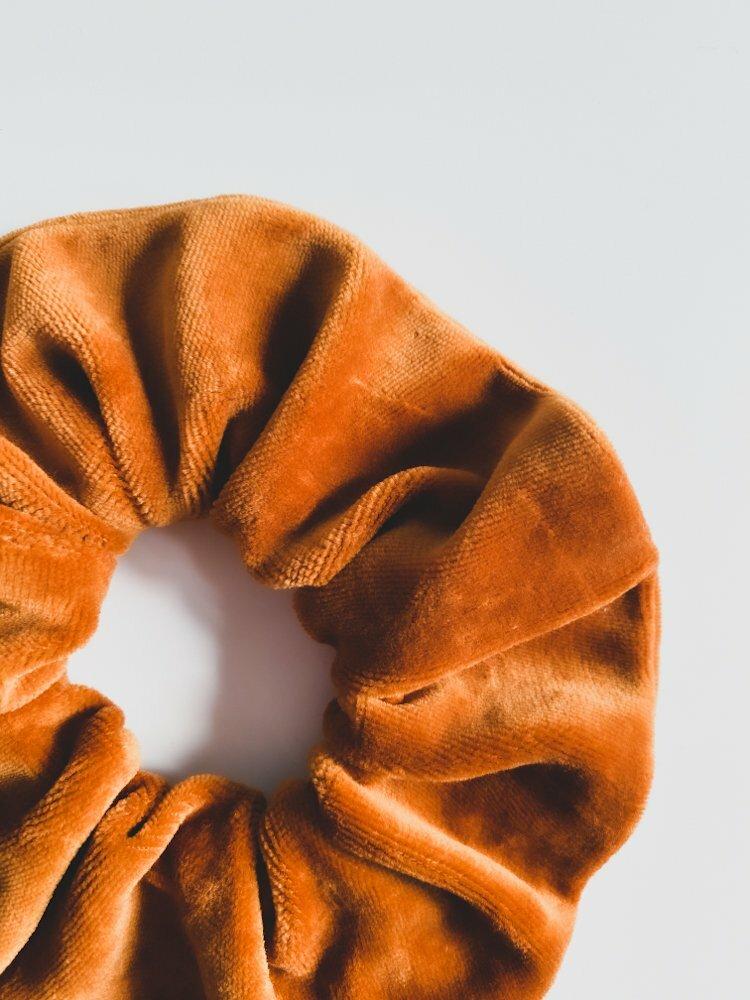 Scrunchie bio velvet oranje