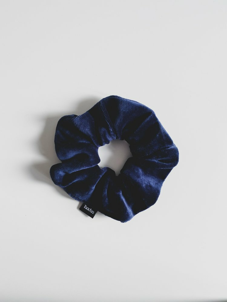 Scrunchie bio velvet donkerblauw